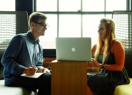 Entretiens professionnels : une expérience utilisateur inédite avec l'application en ligne Yootalent