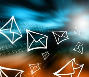 Toutes les pratiques réussies de campagnes marketing (emails, SMS, push notifications) pour améliorer l'expérience client multicanal.