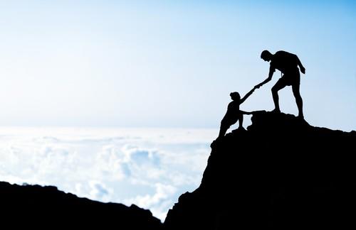 Comment Orange accompagne les Start up ?  Enjeux, ambitions et bénéfices réciproques