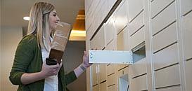 Livraison de colis à domicile : innovez dans vos résidences grâce aux consignes connectées et sans contact